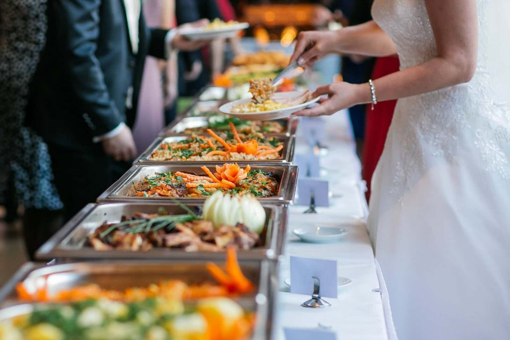 7 Steps in Selecting the Best Caterer for Your Wedding
